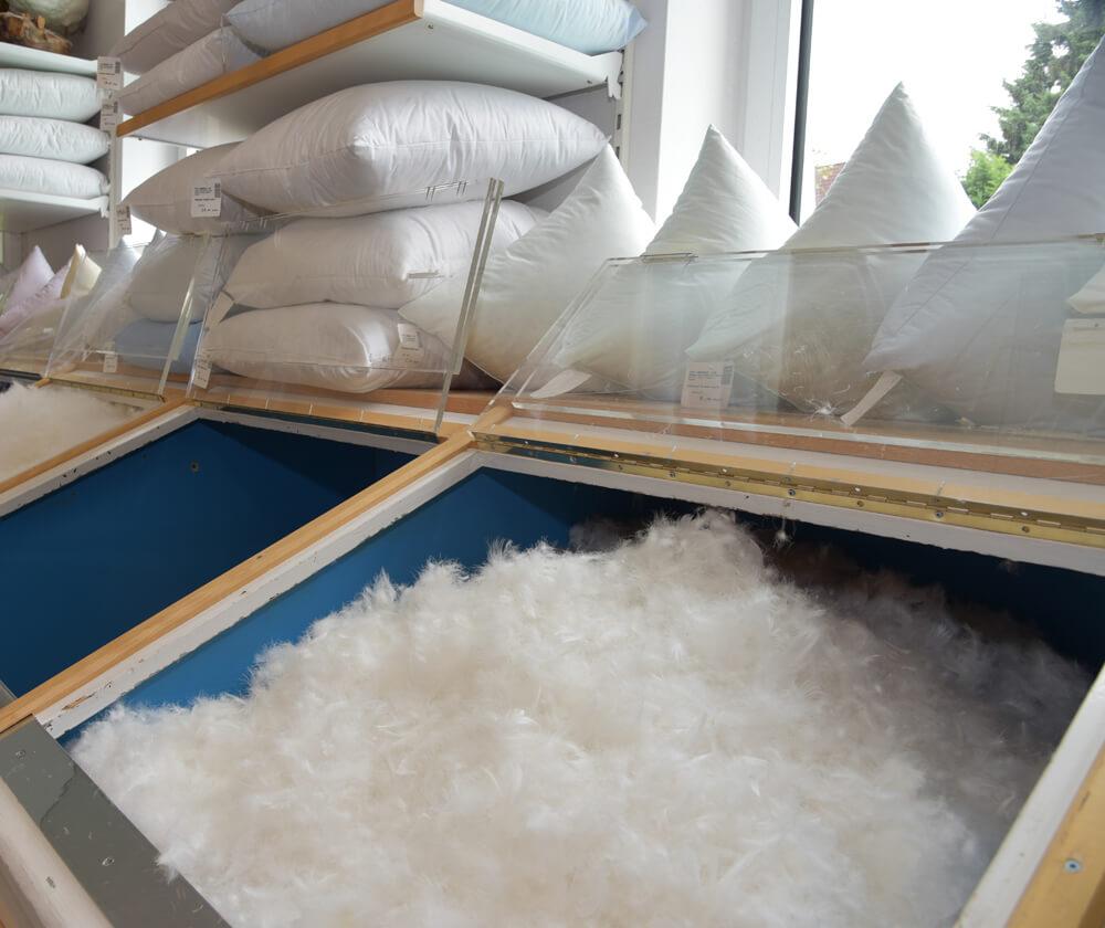 service betten bruns. Black Bedroom Furniture Sets. Home Design Ideas
